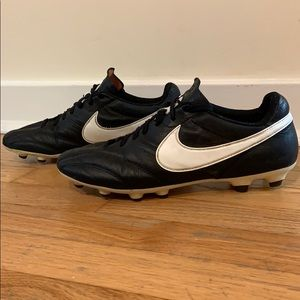 Men's Nike Premier leather soccer cleats